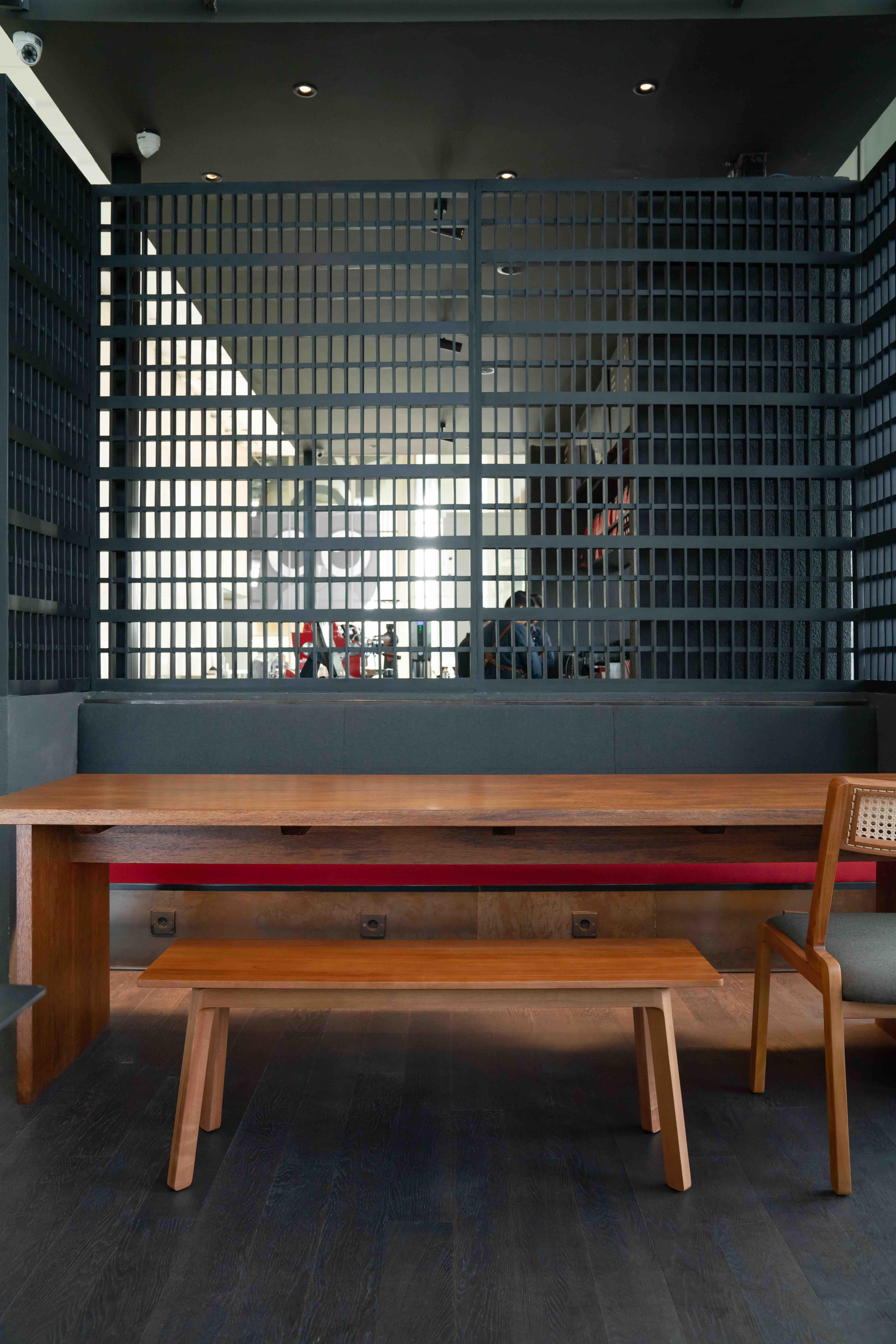 sareng bench_04_s